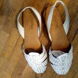 # Vintage Leather Slip-on Sandals🌵